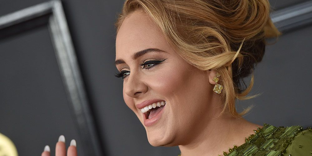 Adele jokes about her weight loss on Saturday Night Live