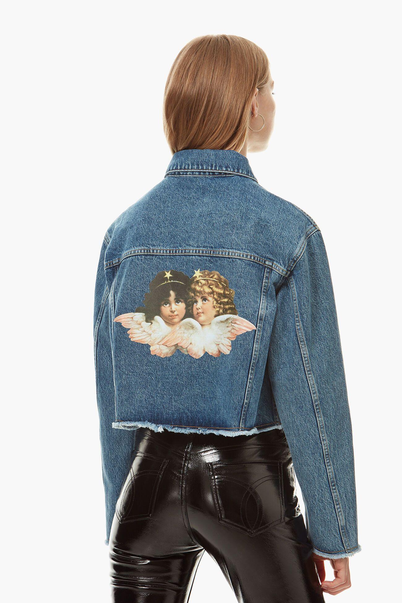¿Por qué todas las marcas están sacando prendas con estampado de ángeles?
