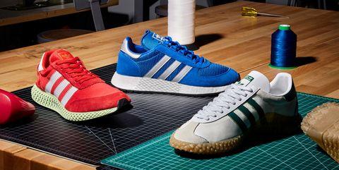 Shoe, Footwear, Blue, Sneakers, Sportswear, Outdoor shoe, Walking shoe, Fashion, Athletic shoe, Carmine,