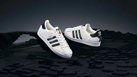 愛迪達讓你把樂高穿上身!adidas x lego推出經典superstar小白鞋限定開賣