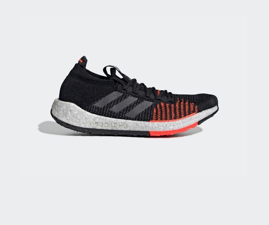 zapatos adidas color negro significado