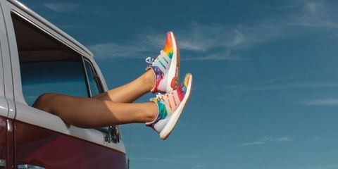 Sky, Vacation, Footwear, Leg, Summer, Shoe, Recreation, Elbow, Leisure, Surfboard,