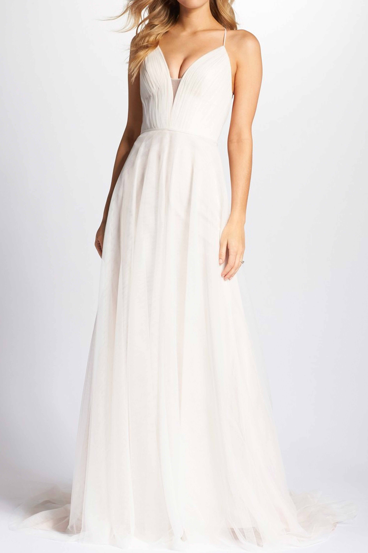 21 Best Beach Wedding Dresses 2018 Casual Chic Destination Wedding Dresses