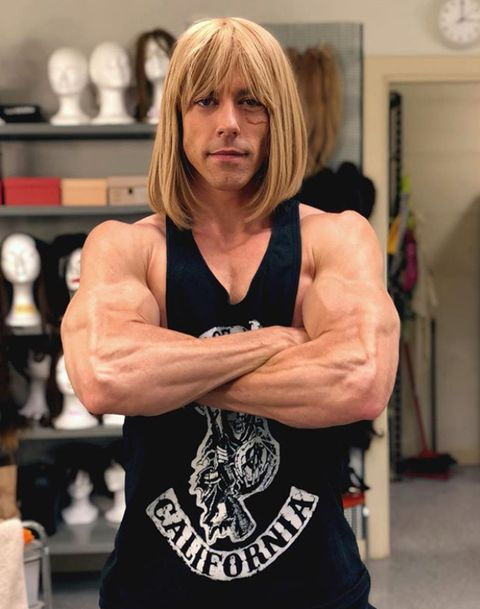 Arm, Muscle, Bodybuilder, Shoulder, Joint, Physical fitness, Bodybuilding, Chest, Elbow, Hand,