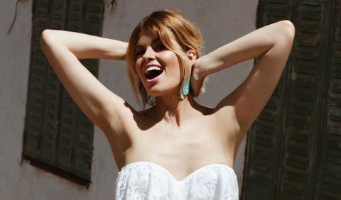 Shoulder, Beauty, Arm, Muscle, Dress, Hand, Photo shoot, Model, Photography, Neck,