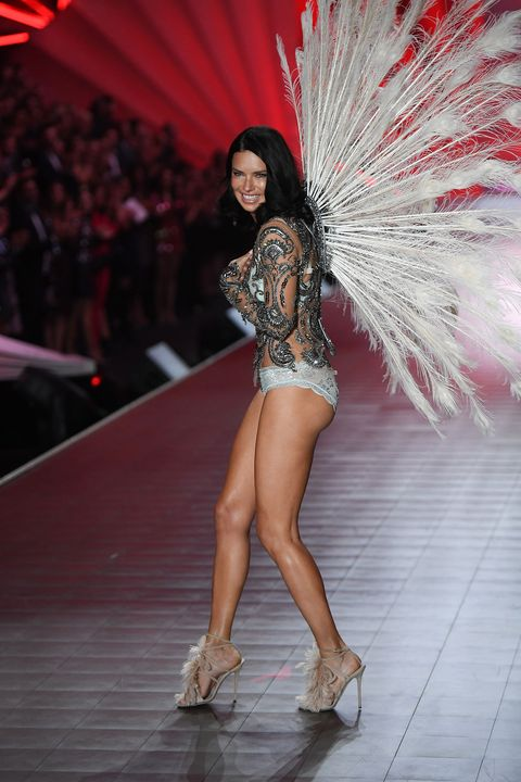 a97afe1080 Adriana Lima burst onto tears on her final Victoria s Secret catwalk ...