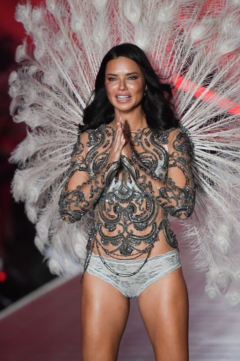 6b0fafb1ac Adriana Lima burst onto tears on her final Victoria s Secret catwalk ...