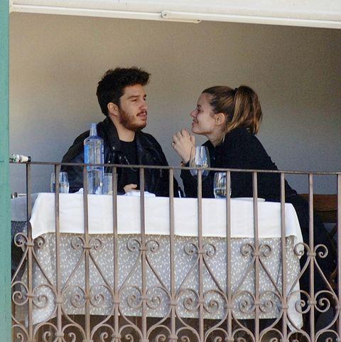 Adriana Torrebejano con su novio
