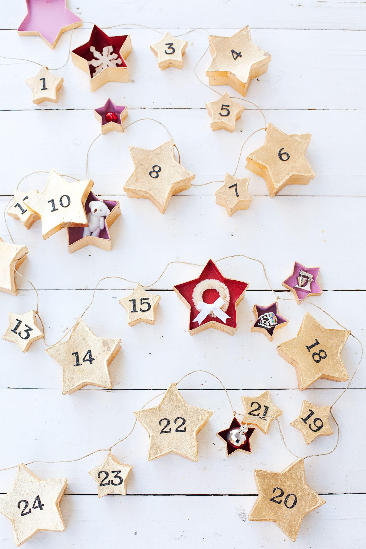 Christmas Jute Advent Calendar Garland Hessian Stockings or Hearts 24 Pockets