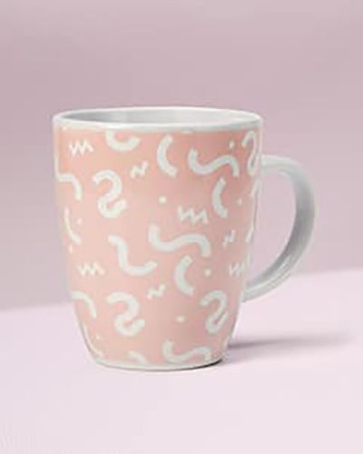 taza rosa de la aecc día mundial contra el cancer de mama