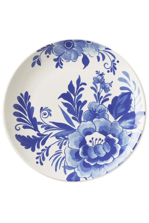 Porcelain, Dishware, Blue, Plate, Blue and white porcelain, Platter, Cobalt blue, Ceramic, Tableware, Serveware,