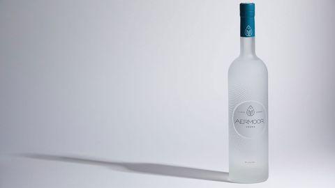 Bottle, Liqueur, Vodka, Glass bottle, Drink, Distilled beverage,