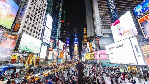 Times Square vol met advertenties