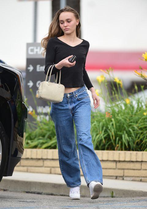 Clothing, Jeans, Waist, Shoulder, Street fashion, Denim, Beauty, Fashion, Leg, Snapshot,