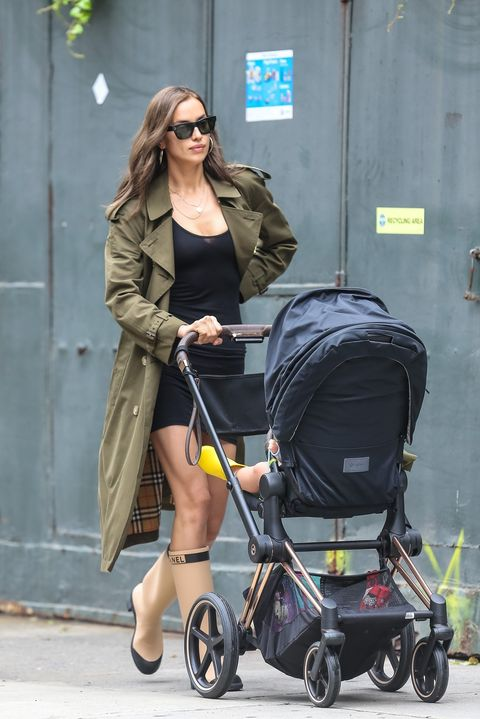 Baby carriage, Product, Baby Products, Street fashion, Fashion, Bag, Luggage and bags, Sunglasses, Diaper bag, Leg,