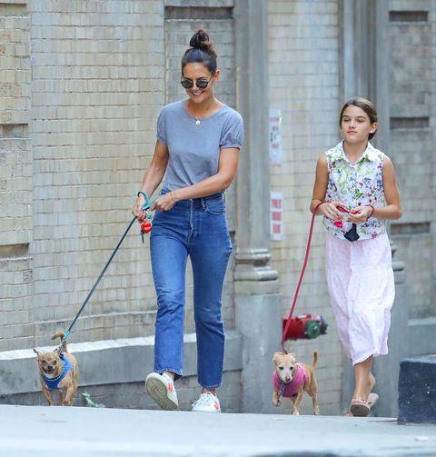 Jeans, Clothing, Dog walking, Denim, Walking, Fashion, Textile, Leash, Shoulder, Waist,