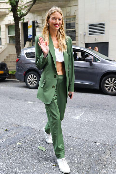 Clothing, Street fashion, Green, Fashion, Snapshot, Outerwear, Footwear, Blazer, Jacket, Leg,
