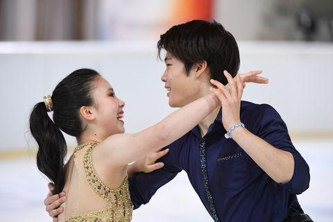 Ice skating, Dance, Dancesport, Figure skating, Ice dancing, Ballroom dance, Recreation, Skating, Event, Performing arts,