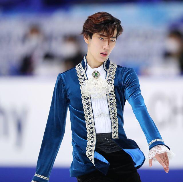 村上佳菜子さんに、ジュニアから参加する注目選手や、選手にとって全日本が持つ意味を語っていただきました。