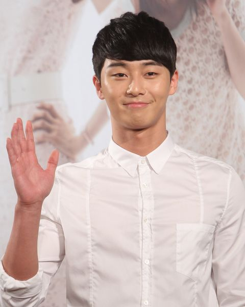 """s korean actor park suh jun south korean actor park suk jun, who stars in the new sitcom """"shut up family,"""" poses for a photo during a publicity event in seoul on aug 7, 2012 the sitcom will be aired by the kbs tv network starting aug 13 yonhap2012 08 07 161059 copyright ⓒ 1980 2012 yonhapnews agency all rights reserved"""
