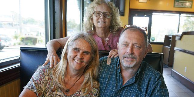 結婚式からわずか2日後に、臓器移植を必要とする夫の元妻に腎臓を提供する。そんな勇気ある決断をしたある花嫁について、海外メディアが報じています。彼女の名は、デビー・ニール・ストリックランドさん(56歳)。「夫の元妻のドナーになる」という決断をした、彼女の想いとは?