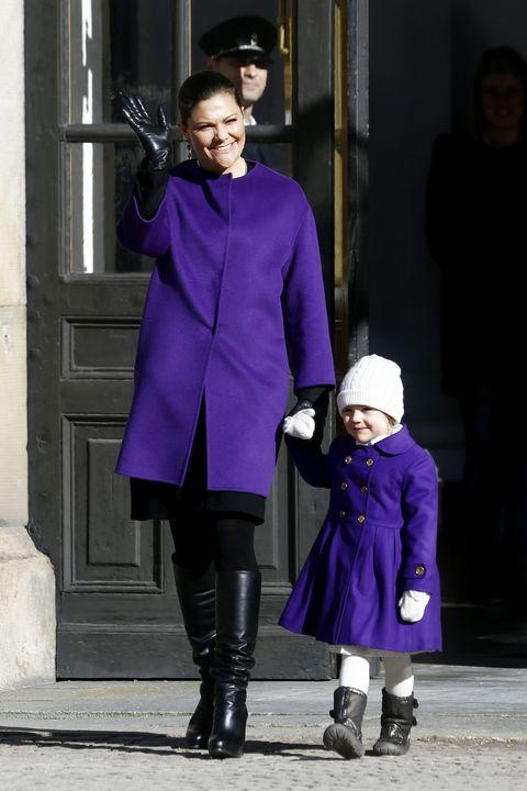 Photograph, Purple, Violet, Clothing, Blue, Fashion, Street fashion, Snapshot, Shoulder, Joint,