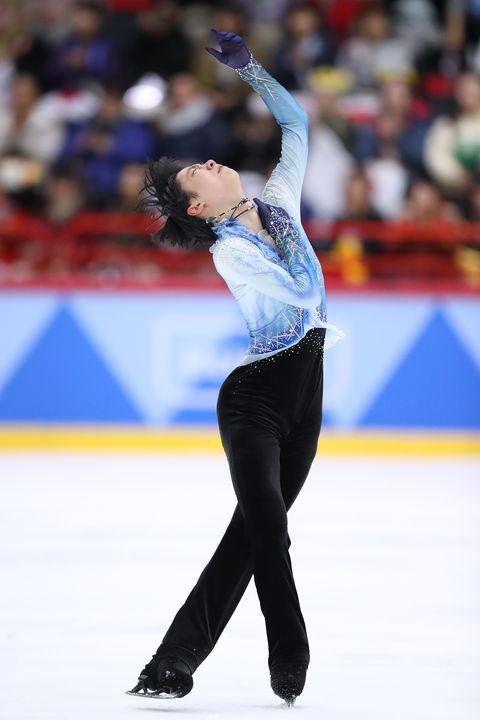 Sports, Skating, Ice skating, Figure skating, Figure skate, Axel jump, Ice dancing, Recreation, Individual sports, Jumping,