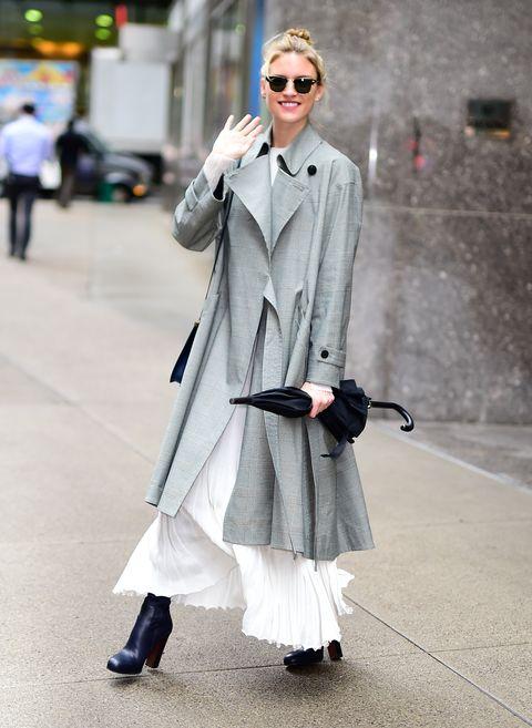 Clothing, Street fashion, Coat, White, Trench coat, Fashion, Overcoat, Outerwear, Snapshot, Footwear,