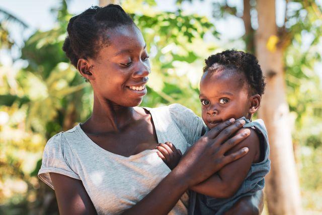 世界では1日に約800人の女性が妊娠・出産で命を落とす。これは2分に1人、女性の命が失われていること。コーヒー1杯分、5ドル(約550円)の「安全な出産キット」を、世界各地で困難な状況にある女性たちに届けられれば命を救える。7月11日「世界人口デー」に国連人口基金(unfpa)のクラウドファンディングに参加しよう!