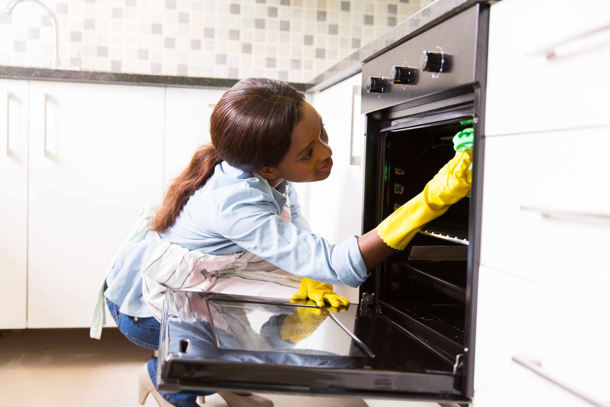 an Oven Liner to Keep Your Oven Clean
