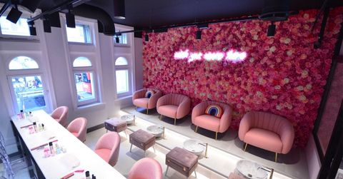 Best UK Nail Bars Salons