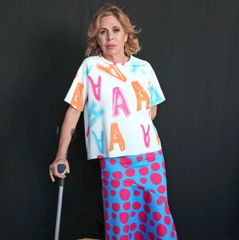 Ágatha Ruiz de la Prada con Muletas