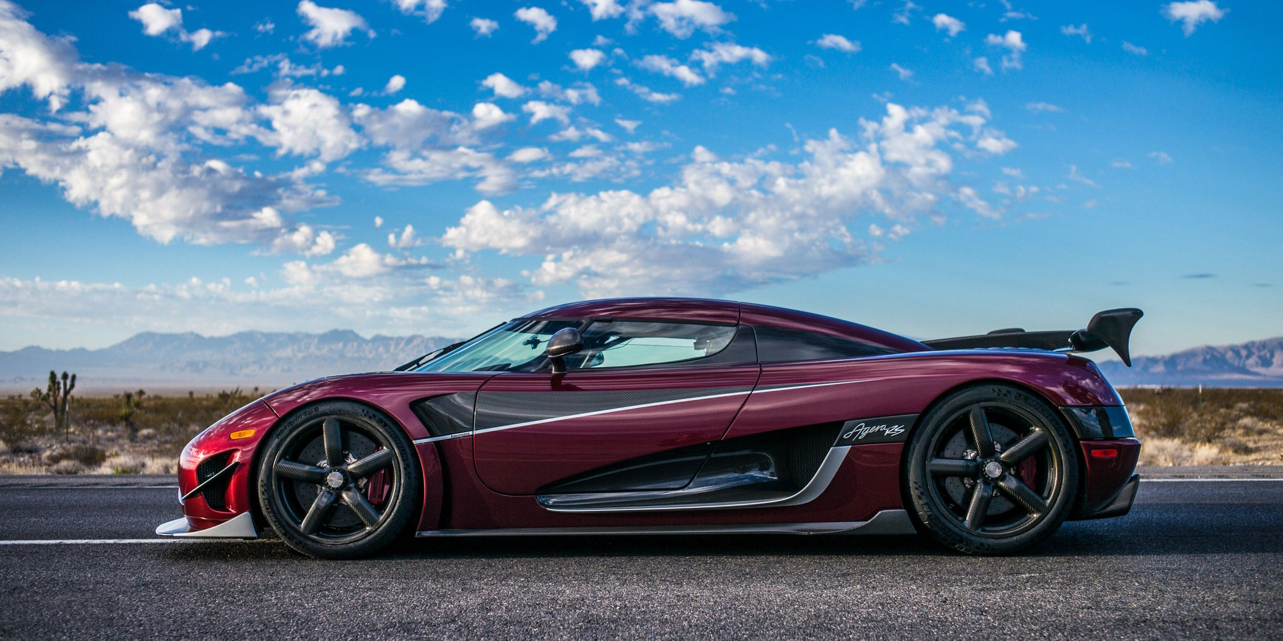 Watch Koenigsegg's Complete Record-Breaking Top-Speed Run Right Here