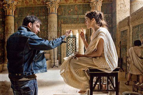 """Alejandro Amenábar y Rachel Weisz en el rodaje de """"Ágora"""""""