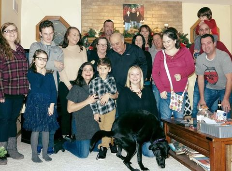 why ever would the internet be calling this family christmas pic the crappiest one ever - Reddit Christmas