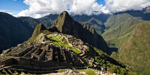 Mountainous landforms, Mountain, Mountain range, Highland, Natural landscape, Landmark, Ridge, Alps, Hill station, Valley,