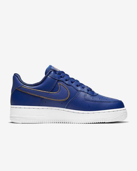 Nike Air Force 1 經典藍球鞋,約 NT. 3,400