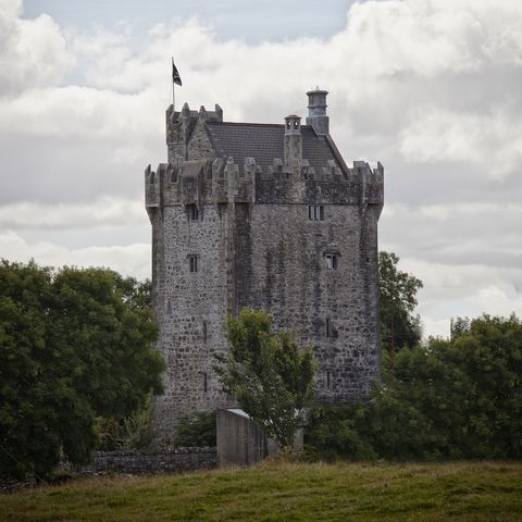 Airbnb castle to rent