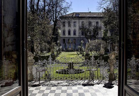 Plant, Garden, Courtyard, Home, Yard, Shade, Villa, Mansion, Landscaping, Estate,