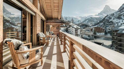 Property, Natural landscape, Building, Room, Snow, Real estate, Mountain, House, Home, Architecture,