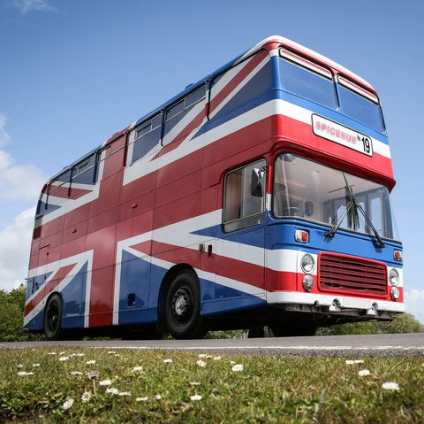 Transport, Motor vehicle, Double-decker bus, Vehicle, Mode of transport, RV, Car, Bus, Sky, Tree,