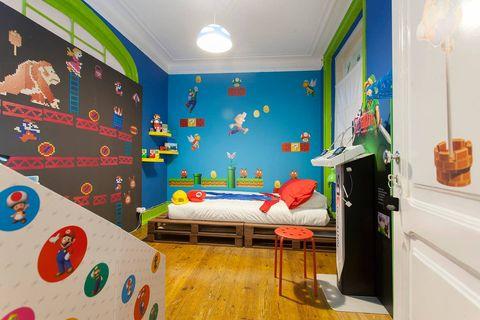 Habitación temática inspirada en Super Mario en Lisboa