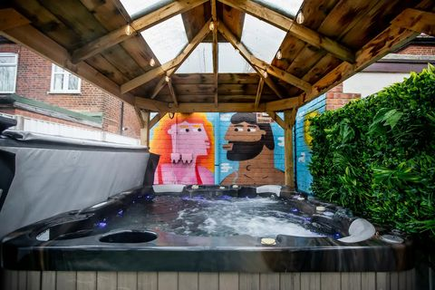 airbnb with hot tub