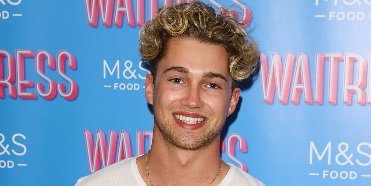 Strictly's AJ Pritchard shares bathtime pictures with girlfriend Abbie Quinnen