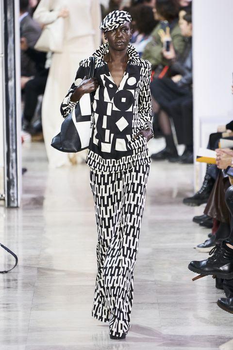 Fashion, Fashion model, Runway, Clothing, Haute couture, Fashion show, Black-and-white, Street fashion, Eyewear, Fashion design,