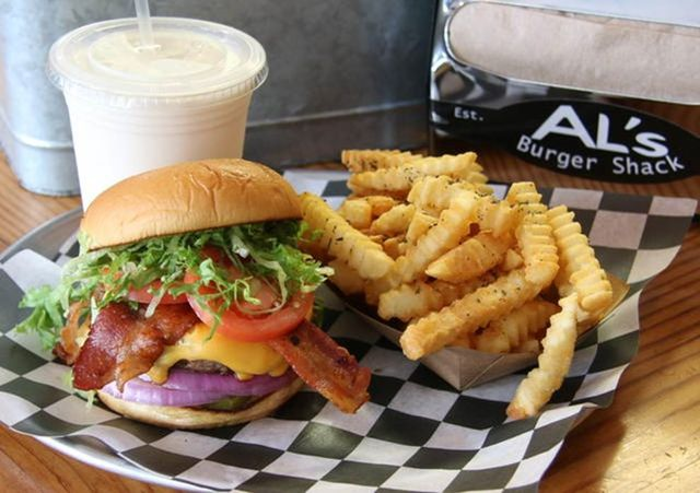 Dish, Food, Junk food, Fast food, Cuisine, Ingredient, French fries, Fried food, Kids' meal, Hamburger,