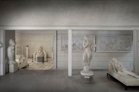 Sculpture, Classical sculpture, Art, Statue, Museum, Building, Stock photography, Art gallery, Room, Architecture,