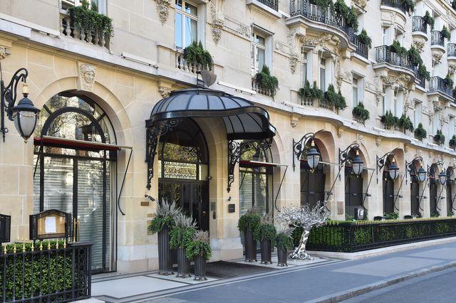 alain ducasse chiude il suo ristorante a parigi