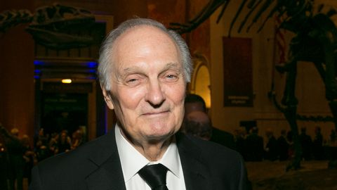 alan alda reveals he has had parkinson s disease for more than 3 years