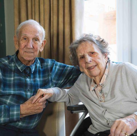 People, Grandparent, Sitting, Event, Adaptation, Retirement home, Conversation, House, Family, Leisure,